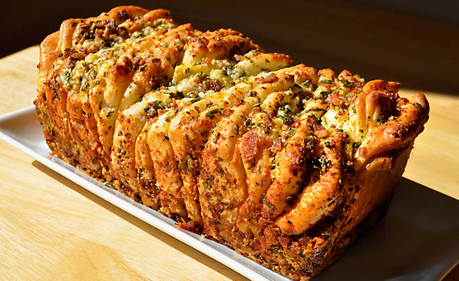 cheese pull apart bread recipe yummly bacon cheese pull apart bread ...