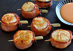 Bacon Wrapped Sea Scallops with Chili Mayo Recipe | D'Artagnan