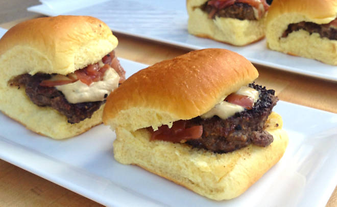 Recipe - Buffalo Burgers with Foie Gras Spread & Sweet Onion Marmalade –  Beef – Dartagnan.com
