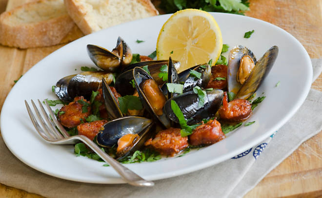 Mussels with Chorizo & White Wine Recipe | D'Artagnan